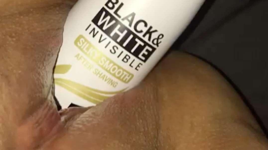 BBW fucking a deodorant can backwards